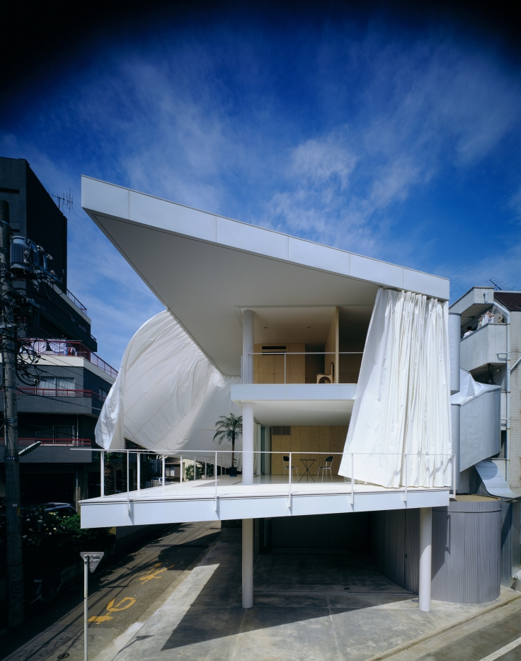 metalocus_Shigeru-Ban-Curtain-Wall-House-01